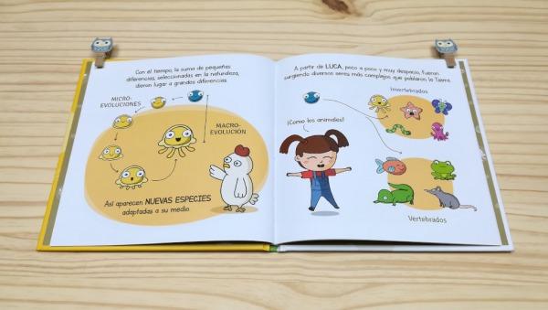"""Páginas interiores 2 del libro """"Evolución"""", de Carlos Pazos"""