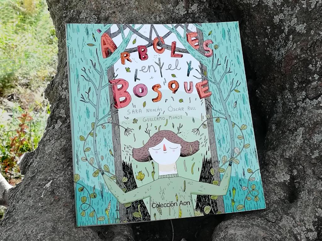 Árboles en el bosque. Editorial Tragamanzanas